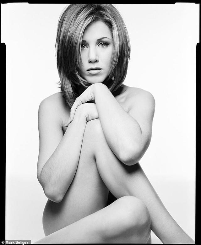 Nữ diễn viên Jennifer Aniston đấu giá ảnh khỏa thân chụp thời thanh xuân - 1