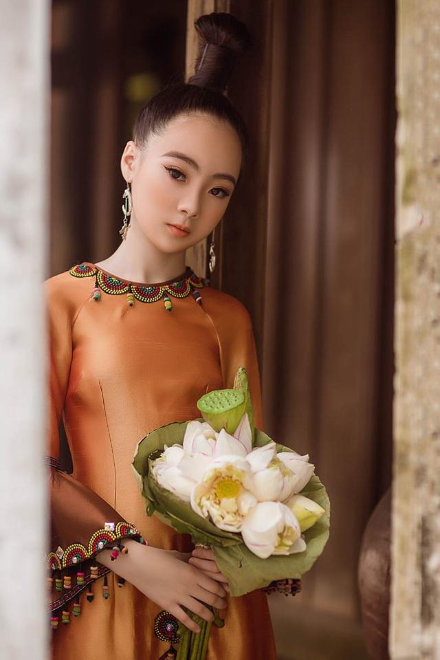 Bé gái Hà Nội xinh xắn, sở hữu thần thái chuẩn người mẫu - 7