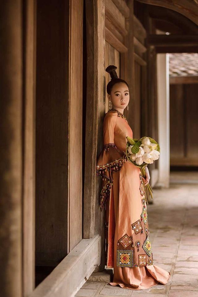 Bé gái Hà Nội xinh xắn, sở hữu thần thái chuẩn người mẫu - 8