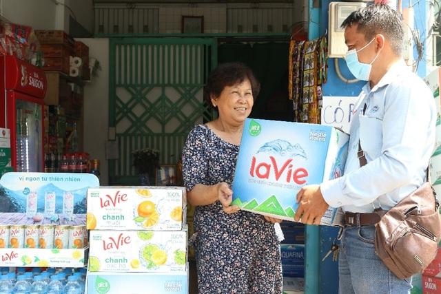 cau-chuyen-tuong-tro-trong-cong-dong-kinh-doanh-mua-dichdocx-1591064856119.jpeg