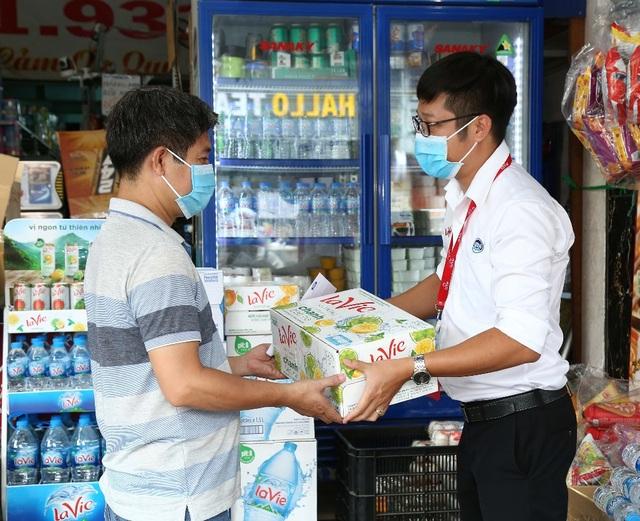 cau-chuyen-tuong-tro-trong-cong-dong-kinh-doanh-mua-dichdocx-1591064856206.jpeg