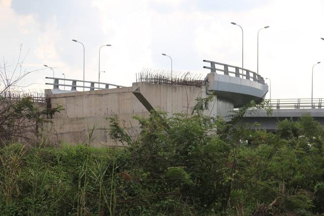 Dự án giao thông TPHCM: Vừa thiếu vốn vừa vướng mặt bằng - 4