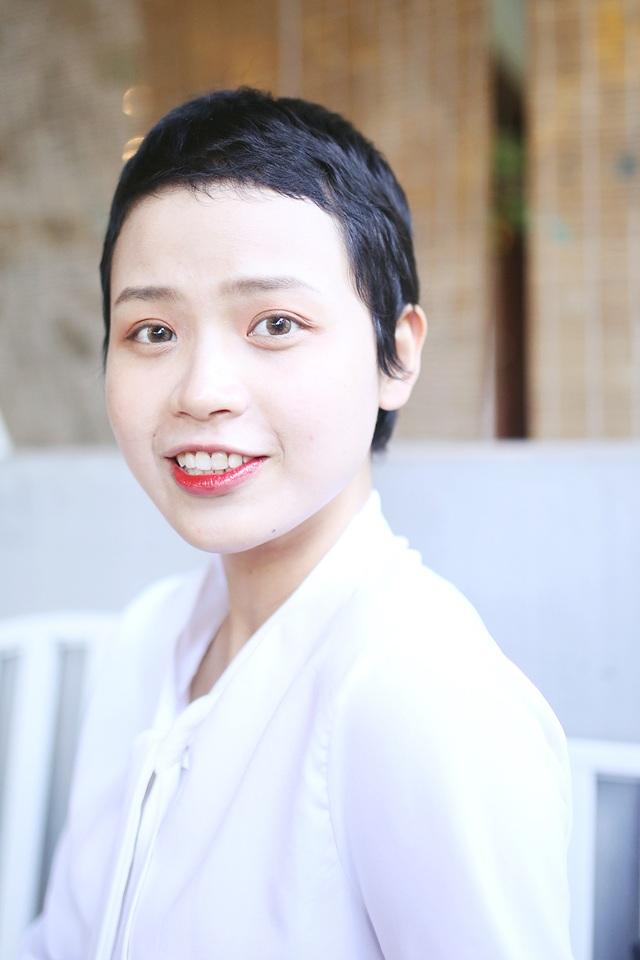Nữ sinh Ngoại thương mắc ung thư tái xuất xinh đẹp và đầy nghị lực - 2