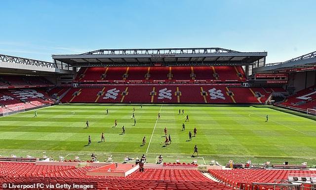 Cầu thủ Liverpool hăng say tập luyện chờ đón ngôi vô địch Premier League - 6