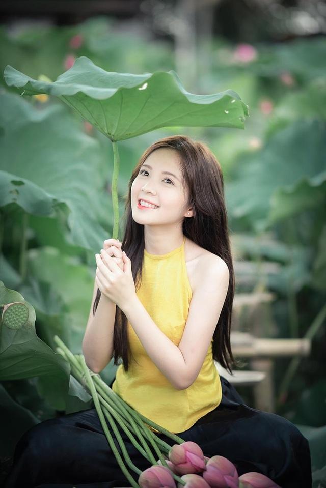 Thiếu nữ Hà thành dịu dàng khoe sắc bên hoa sen - 4
