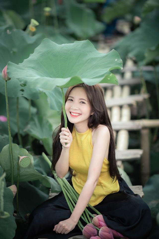 Thiếu nữ Hà thành dịu dàng khoe sắc bên hoa sen - 5
