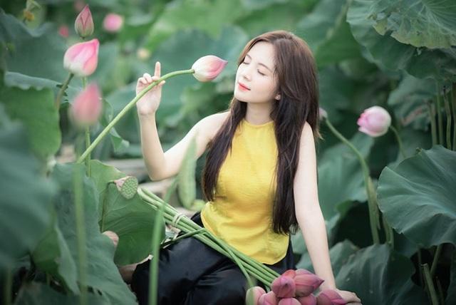 Thiếu nữ Hà thành dịu dàng khoe sắc bên hoa sen - 6