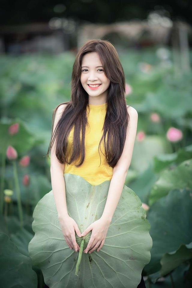 Thiếu nữ Hà thành dịu dàng khoe sắc bên hoa sen - 8