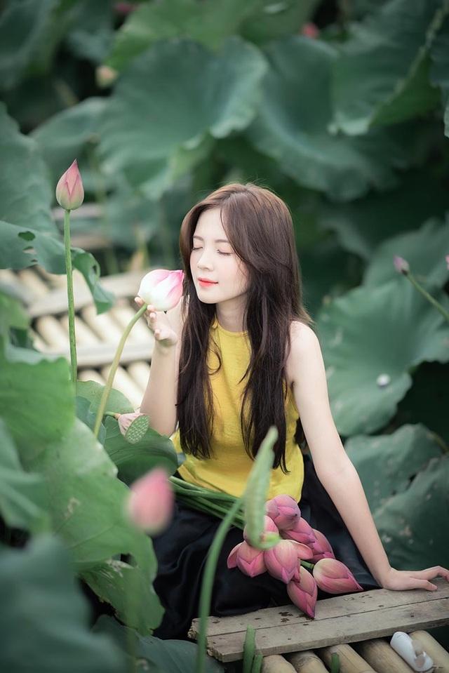 Thiếu nữ Hà thành dịu dàng khoe sắc bên hoa sen - 9