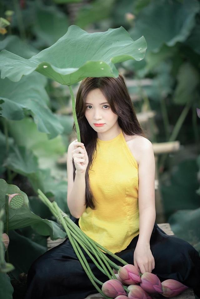 Thiếu nữ Hà thành dịu dàng khoe sắc bên hoa sen - 10