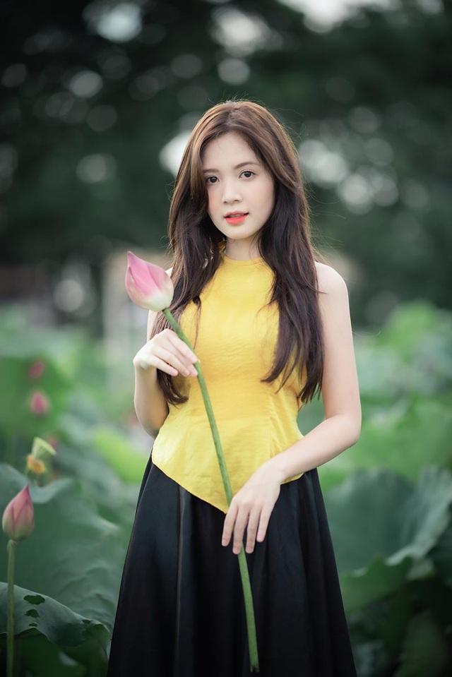 Thiếu nữ Hà thành dịu dàng khoe sắc bên hoa sen - 11