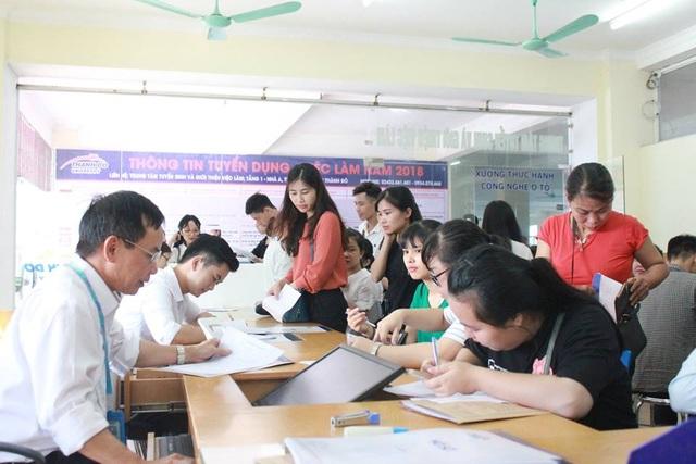 Nhiều thí sinh sẽ trúng tuyển đại học trước khi thi tốt nghiệp THPT - 1