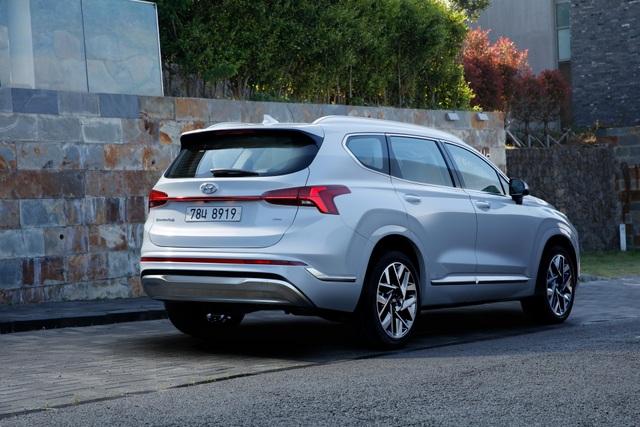 Lộ diện Hyundai Santa Fe 2021 - Dùng tiểu xảo để gia tăng kích thước - 3