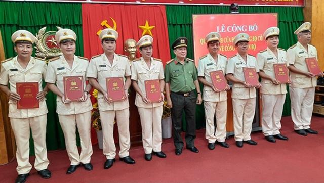 Hàng loạt thay đổi nhân sự tại Công an tỉnh Vĩnh Long - 2