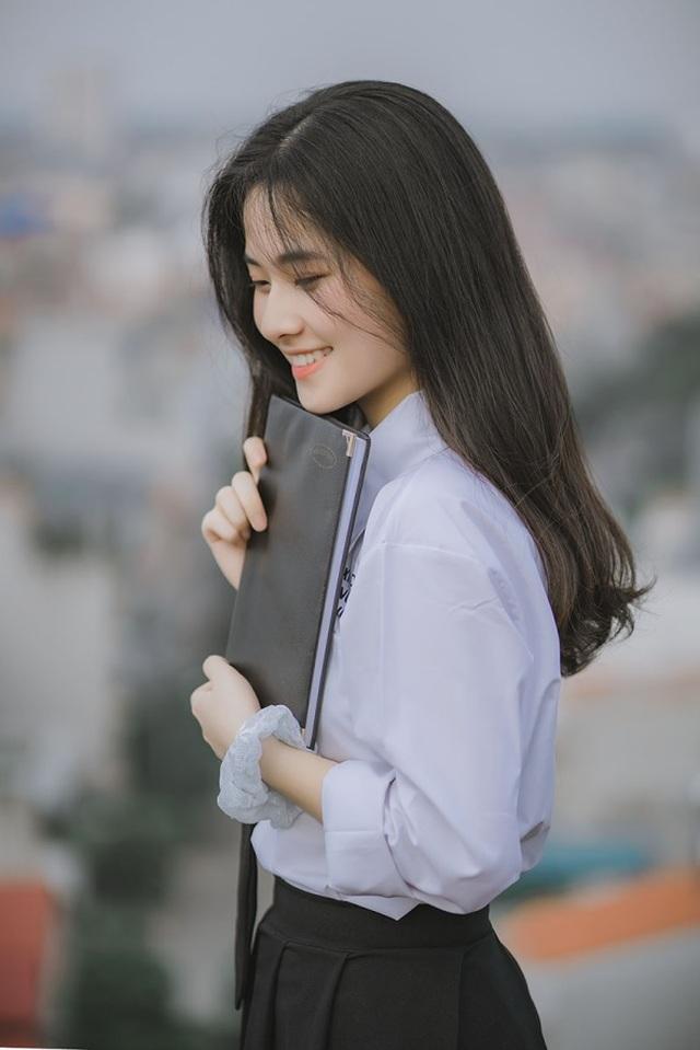 Vẻ đẹp đượm nét thơ ngây của nữ sinh Bắc Giang trong bộ đồng phục - 3