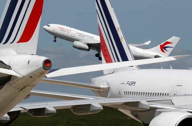 Mỹ cấm cửa các hãng hàng không Trung Quốc - 1