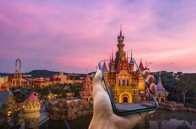 Công viên chủ đề đầu tiên trên thế giới ứng dụng trải nghiệm giải trí ảo - 1