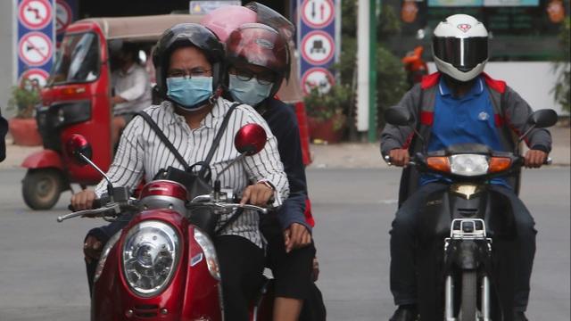 Vượt qua đại dịch, nhưng Campuchia vẫn phải đối mặt với thảm họa kinh tế - 1