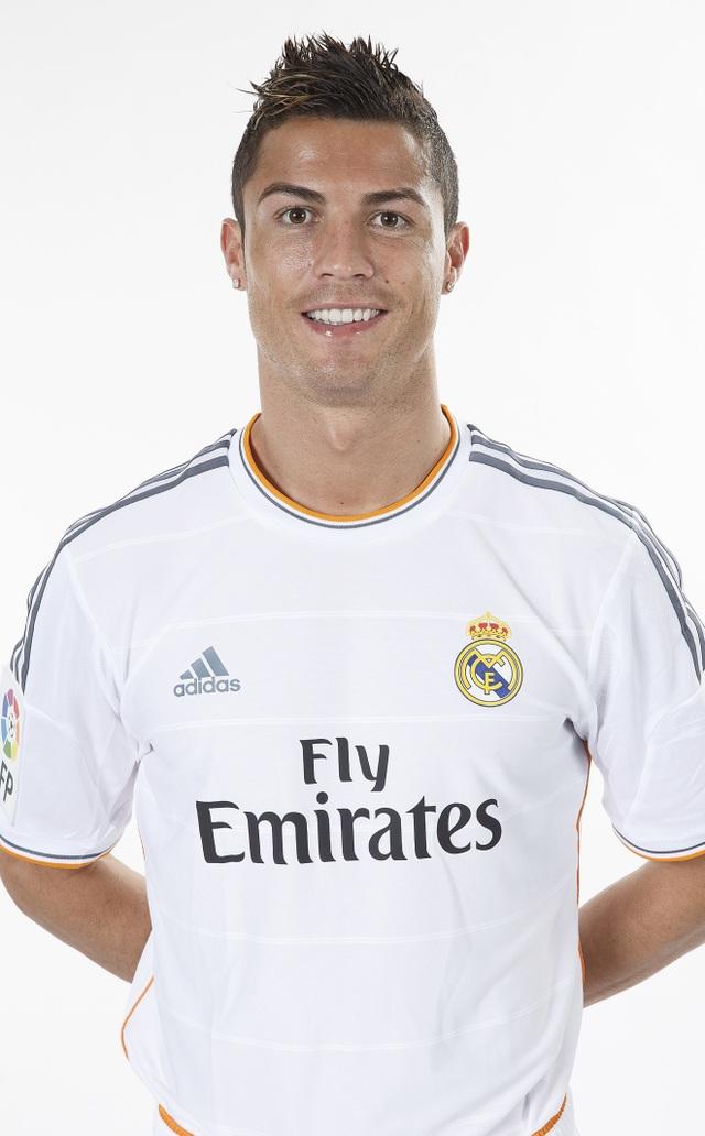Những kiểu tóc lạ của C.Ronaldo khiến người hâm mộ nhớ mãi - 5