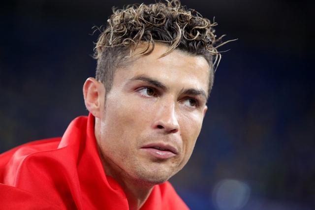 Những kiểu tóc lạ của C.Ronaldo khiến người hâm mộ nhớ mãi - 6