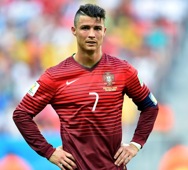 Những kiểu tóc lạ của C.Ronaldo khiến người hâm mộ nhớ mãi - 7