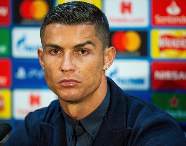 Những kiểu tóc lạ của C.Ronaldo khiến người hâm mộ nhớ mãi - 8