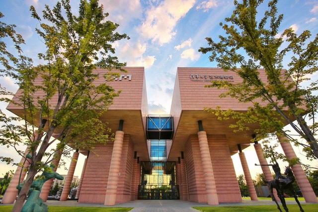 Hai trường lớn Trung Quốc dẫn đầu top 10 đại học tốt nhất châu Á 2020 - 1
