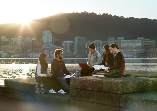 Học Thạc Sỹ Khối Ngành Kinh Doanh Tại New Zealand: Sức Hút & Cơ Hội