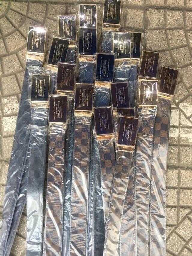 Truy quét điểm nóng Ninh Hiệp, thu giữ hàng nghìn đồ hiệu rởm - 2