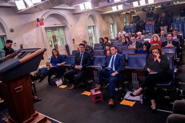 Mỹ sẽ siết thêm 4 cơ quan truyền thông lớn của Trung Quốc - 1
