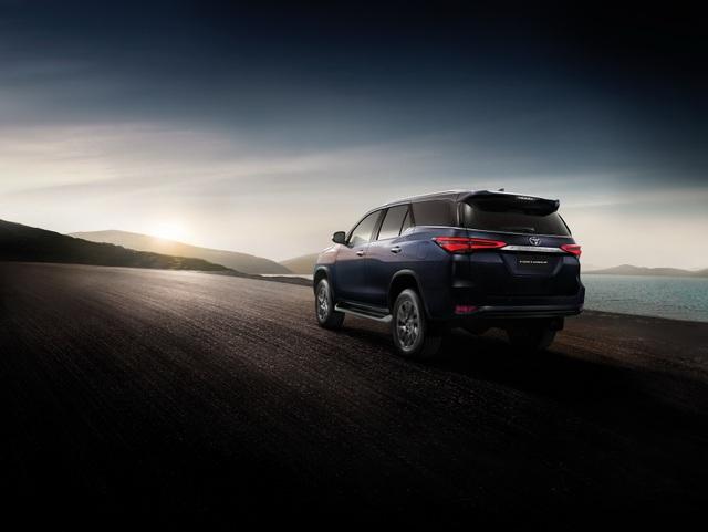 Toyota Fortuner phiên bản nâng cấp 2021 có gì mới? - 3