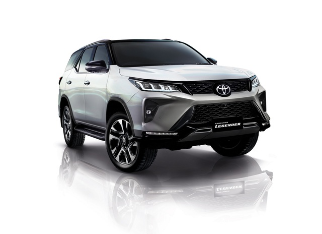 Toyota Fortuner phiên bản nâng cấp 2021 có gì mới? - 32