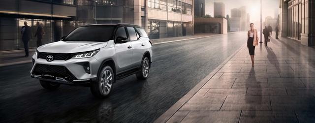 Toyota Fortuner phiên bản nâng cấp 2021 có gì mới? - 24