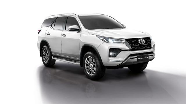 Toyota Fortuner phiên bản nâng cấp 2021 có gì mới? - 8