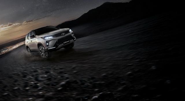 Toyota Fortuner phiên bản nâng cấp 2021 có gì mới? - 31
