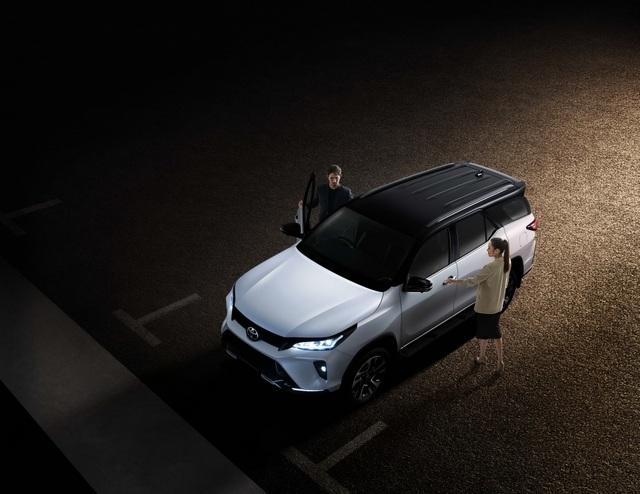 Toyota Fortuner phiên bản nâng cấp 2021 có gì mới? - 25