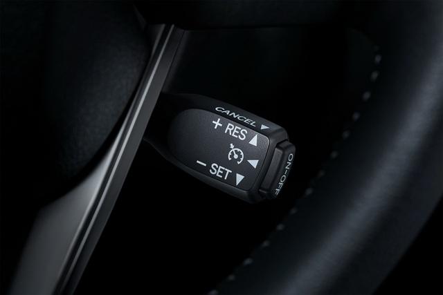 Toyota Fortuner phiên bản nâng cấp 2021 có gì mới? - 18