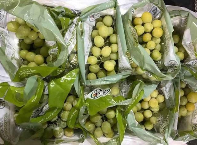 Trái cây Mỹ, Úc siêu rẻ, giá mấy chục ngàn đồng mỗi kg bày bán la liệt - 1