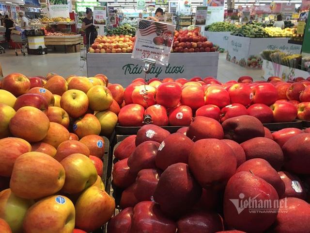 Trái cây Mỹ, Úc siêu rẻ, giá mấy chục ngàn đồng mỗi kg bày bán la liệt - 2