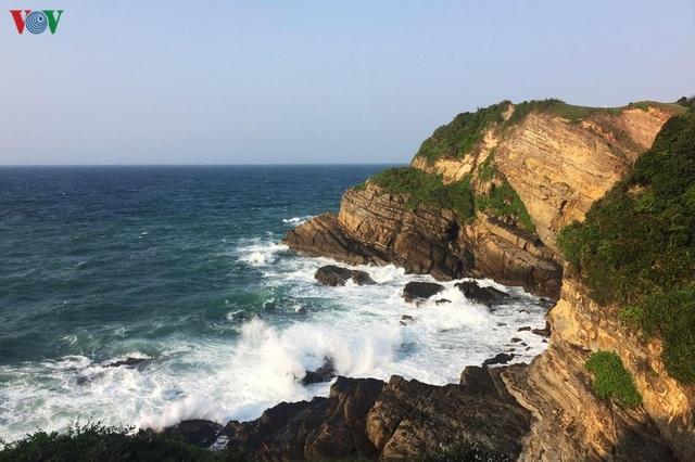 Biển Cô Tô - điểm đến hấp dẫn ẩn mình ở vùng Đông Bắc Tổ quốc - 4
