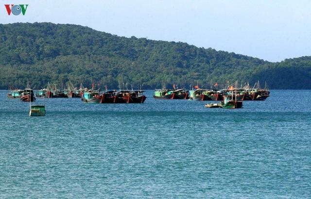 Biển Cô Tô - điểm đến hấp dẫn ẩn mình ở vùng Đông Bắc Tổ quốc - 7