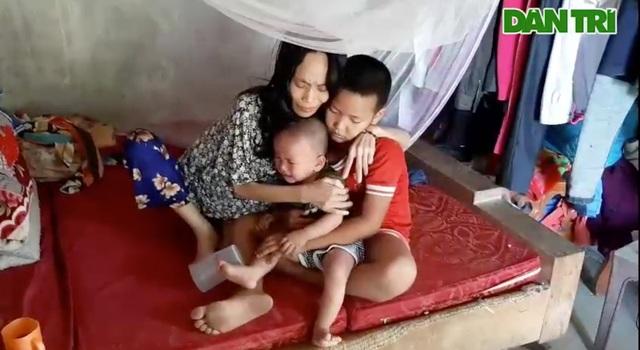 Quặn lòng cảnh người mẹ tiều tuỵ nhìn con thơ khóc ngằn ngặt thèm sữa - 5