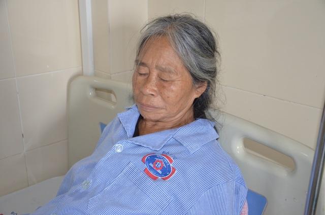 Mặc kệ cái chết, người mẹ nghèo chỉ lo con gái ngớ ngẩn đang mắc ung thư - 5