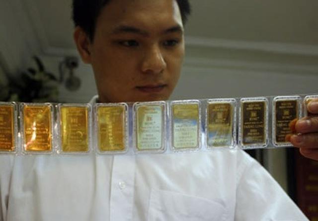 Giá vàng SJC ngược chiều thế giới, đắt hơn 2 triệu đồng/lượng - 1