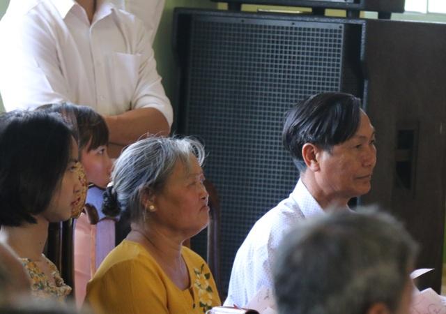 Cả trăm người náo loạn tại buổi xin lỗi đôi vợ chồng bị kết án oan - 1