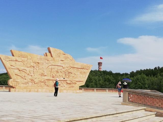 """Những công trình """"thế kỷ"""" hấp dẫn du khách ở Mũi Cà Mau - 2"""