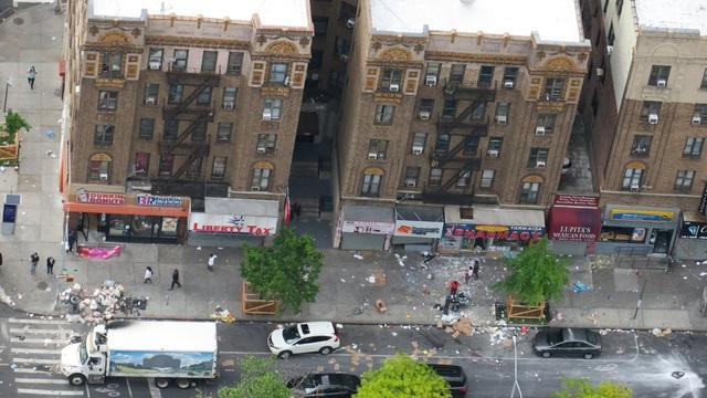 Chủ cửa hàng khóc ròng vì nạn cướp phá, hôi của trong biểu tình ở Mỹ - 2