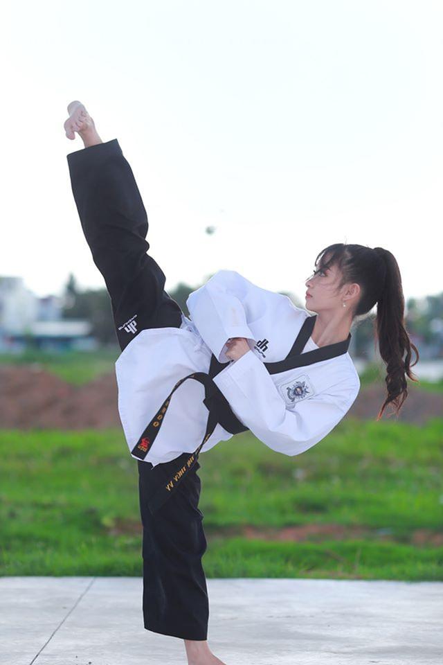 Nữ sinh 17 tuổi đam mê võ thuật, sở hữu thần thái như ngọc nữ - 2