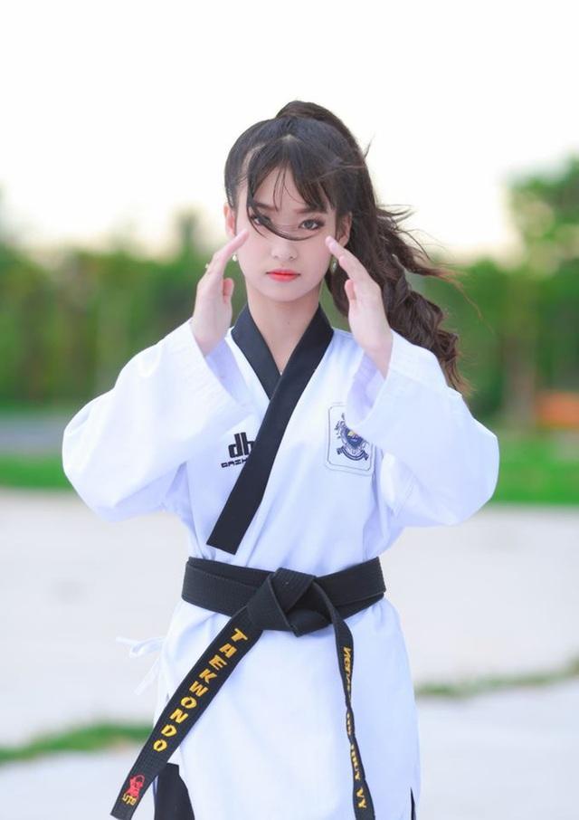 Nữ sinh 17 tuổi đam mê võ thuật, sở hữu thần thái như ngọc nữ - 3