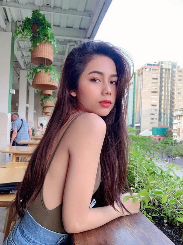 Nữ sinh Sài Gòn gợi cảm chia sẻ bí quyết sở hữu eo thon, dáng chuẩn - 5